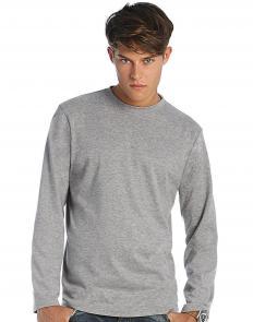 Haftowana grafika na koszulce T-shirt